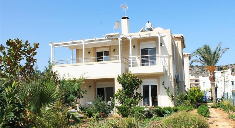 Вилла в 160 метрах от моря Крита