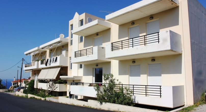 Крит: квартира с садом!